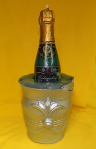 Свеча свадебная декоративная шампанское