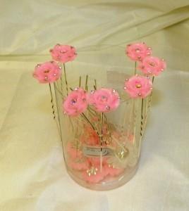 Шпильки с розовыми цветами