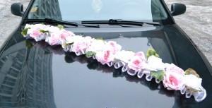 Лиана на капот с цветами
