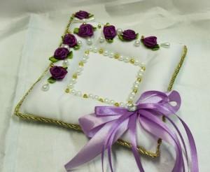 Подушечка для свадебных колец сиреневая