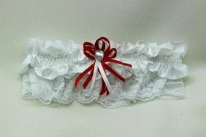 Подвязка невесты белая с красным бантиком