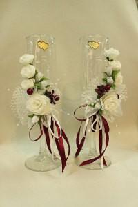 Свадебные бокалы белые с бордовым