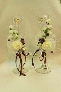 Свадебные бокалы белые с шоколадом