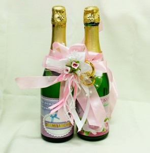 Украшение на свадебное шампанское розовое