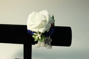 Браслеты подружкам невесты белый с синим