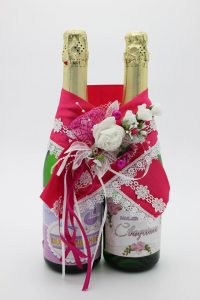Украшение на шампанское цвет фуксия