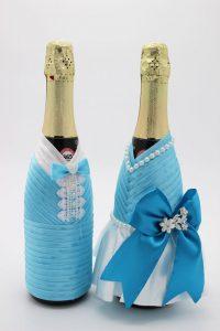 Украшение на шампанское жених и невеста голубое