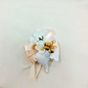 Бутоньерка персиковый с белым. Свадебный салон