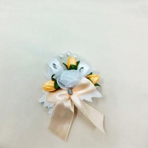 Бутоньерка для жениха персиковый с белым. все для свадьбы