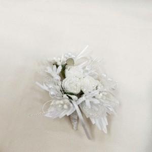 Бутоньерка белая со стразами для жениха
