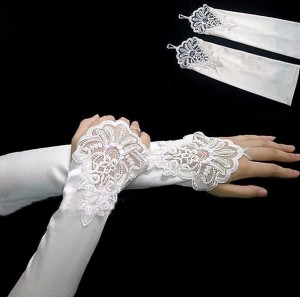 Перчатки невесты открытые