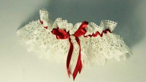 Подвязка-невесты-бело-красная