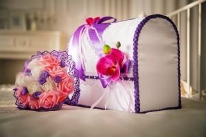 Свадебные аксессуары в сиреневых тонах