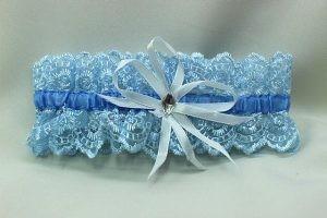 Подвязка невесты голубая с белым бантиком