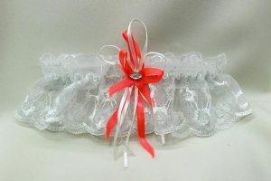 Подвязка невесты белая с оранжевым бантиком