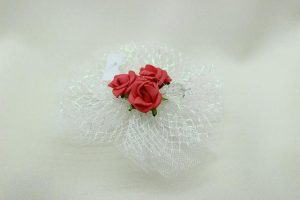 Браслет на руку подружки невесты красный