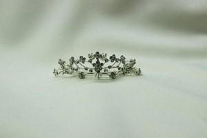 Диадема невесты миниатюрная красивая