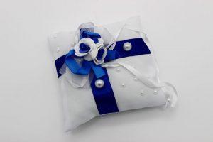 Подушечка для колец белая с синим