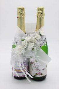 Украшение на шампанское цвет белый