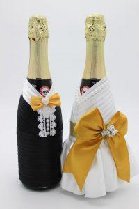 Украшение на шампанское жених и невеста белое с золотом