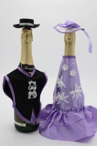 Украшение на шампанское жених и невеста со шляпами сиреневое