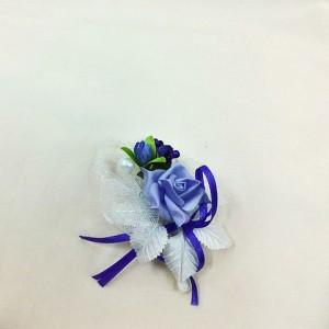 Бутоньерка белая с синим для жениха. Свадебные аксессуары
