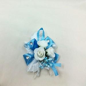 Бутоньерка белая с голубым для жениха