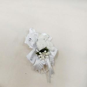 Бутоньерка для жениха белая